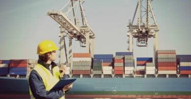 Taxas nos portos vão baixar 50%