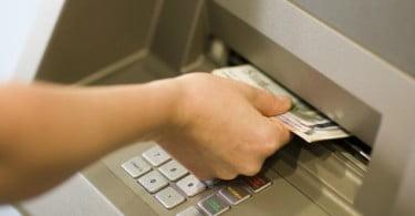 Portugueses gastam menos 115M€ em compras