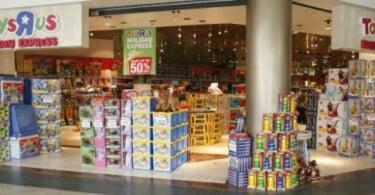 Toys 'R' Us mantém lojas 24 horas abertas até ao Natal nos EUA