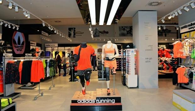 37873bc02dcfb Adidas abre nova loja no Colombo - Distribuição Hoje