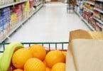 Confiança dos consumidores volta a cair