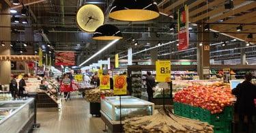 """Continente apresenta """"nova"""" loja de Cascais"""