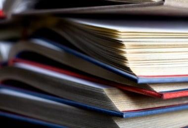Cada vez mais portugueses pedem livros escolares emprestados ou compram em segunda mão