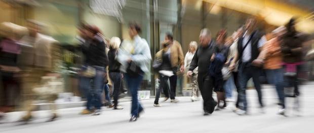 Confiança do consumidor desce e economia é principal preocupação