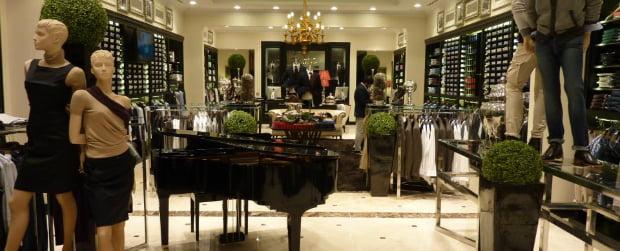 Sacoor abre primeira loja em Singapura