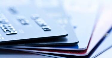 Portugueses preferem os cartões nas compras do dia-a-dia