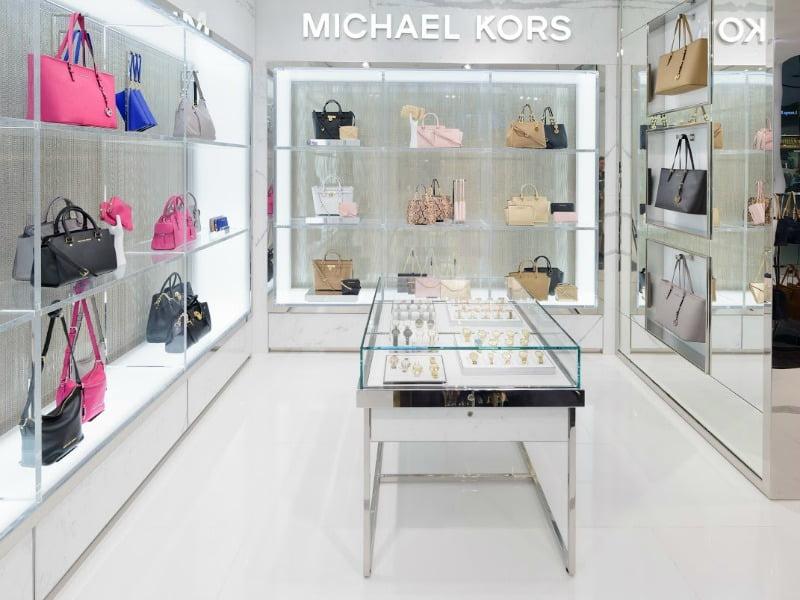 Michael Kors compra a Jimmy Choo