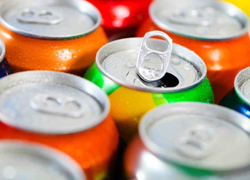 latas de refrigerantes - Distribuição Hoje