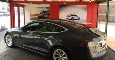 pop-up store Tesla no Porto