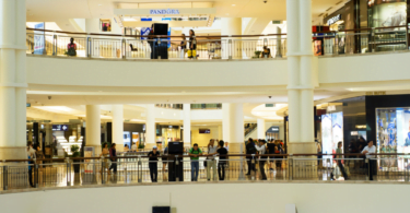 Consumidores do centro do país gastam mais em compras de Natal