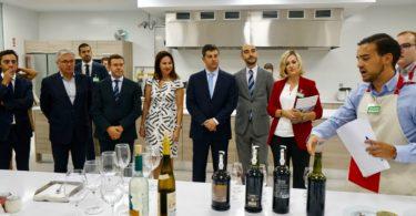 """Ministro da Economia diz que Mercadona em Portugal é """"enorme alavanca para a entrada de produtos portugueses em Espanha"""""""