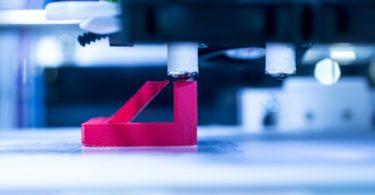 IoT, modelos de negócio centrados nos serviços e impressão 3D vão revolucionar o setor da produção
