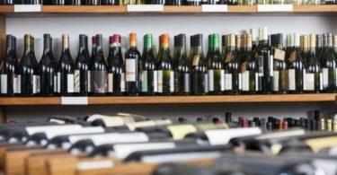 Alibaba investe 250 M€ em retalhista de vinhos