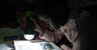 Mastercard e M-KOPA Solar querem iluminar África