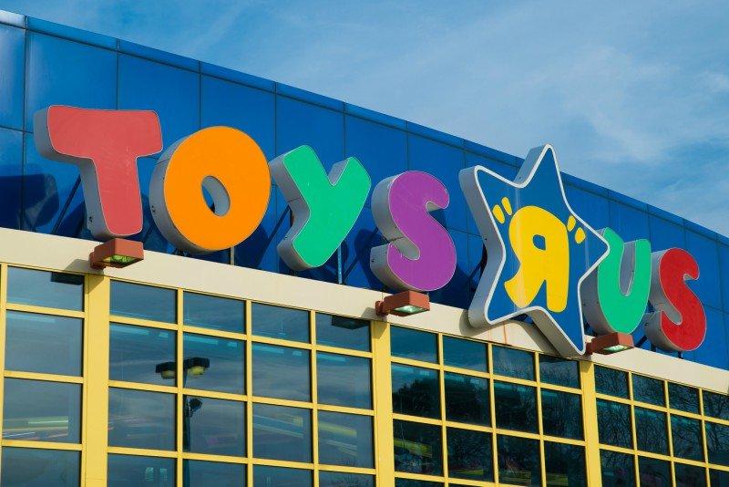 Dona da Toys 'R' Us compra Intertoys