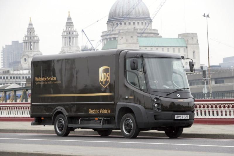 UPS liga-se a rede inteligente para carregar frota elétrica de entregas