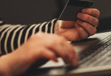 Confiança e comodidade são o que leva os portugueses a aderir ao e-commerce