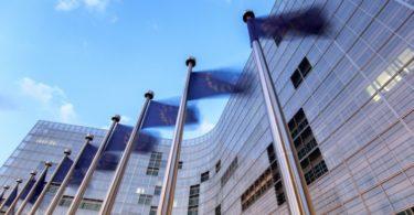 Comissão Europeia quer banir práticas de comércio desleais