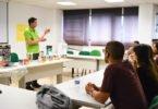 AKI dá formação gratuita a voluntários de associação que reabilita casas