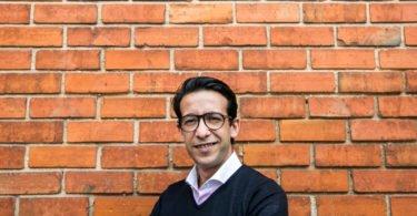 Mehdi Addag quer Portugal como plataforma do seu negócio do Óleo da Argão, fora de Marrocos. Este produto raro, que apenas nasce numa zona específica daquele país magrebino quer conquistar o gosto dos consumidores portugueses. Conheça a estratégia da empresa Zad.