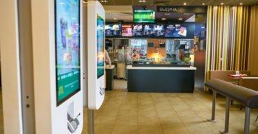 Quiosques digitais chegam ao McDonald's nos EUA
