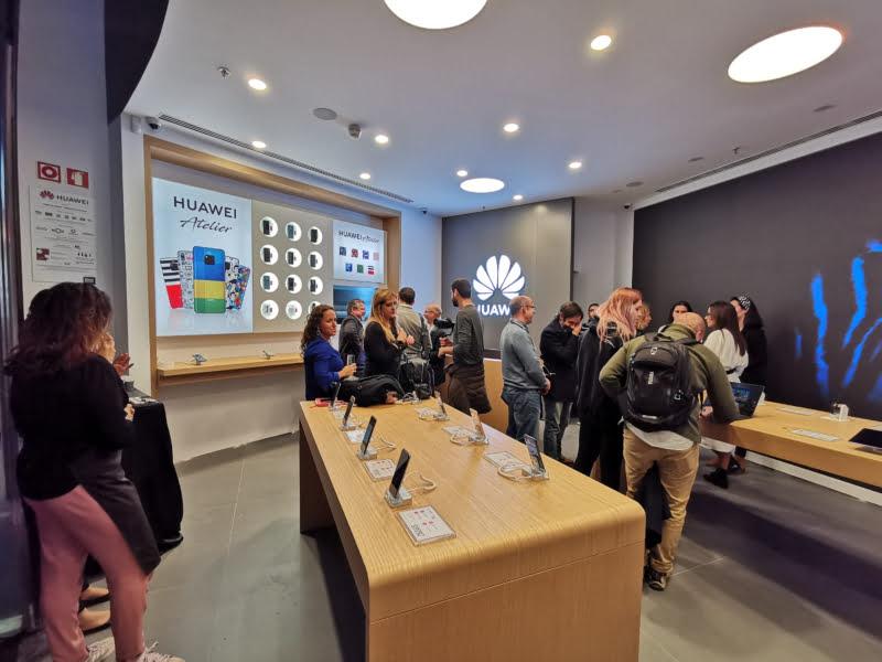 Huawei apresenta nova 'experiência de loja'