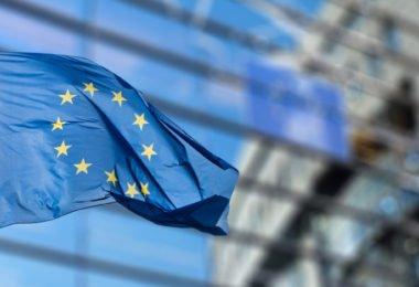 PE aprova acordo comercial entre a UE e o Japão