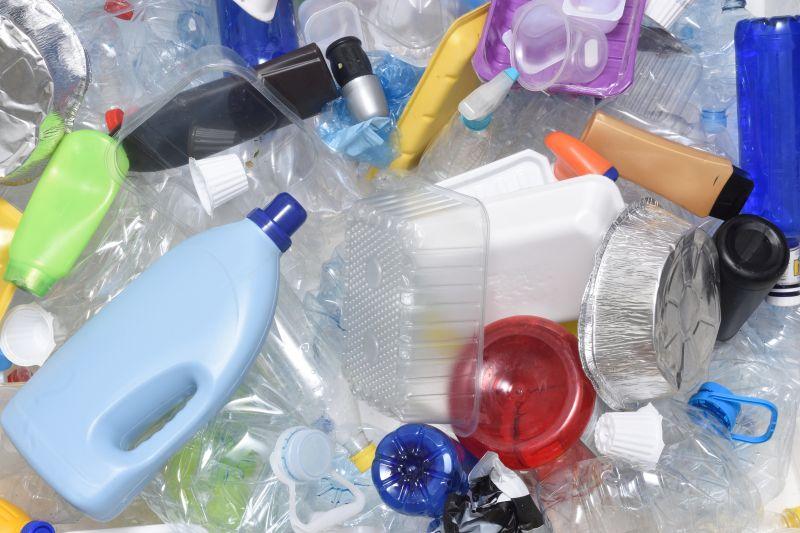 """Greenpeace """"acusa"""" distribuição moderna em Espanha na luta insuficiente contra o plástico"""