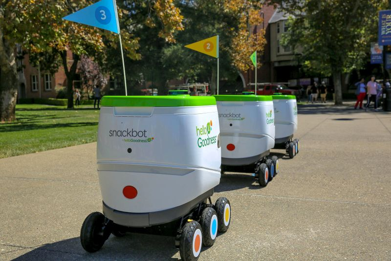 PepsiCo utiliza robôs para distribuir lanches em universidade