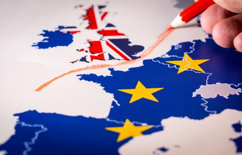 Retalhistas britânicos alertam para escassez de alimentos em caso de Hard Brexit
