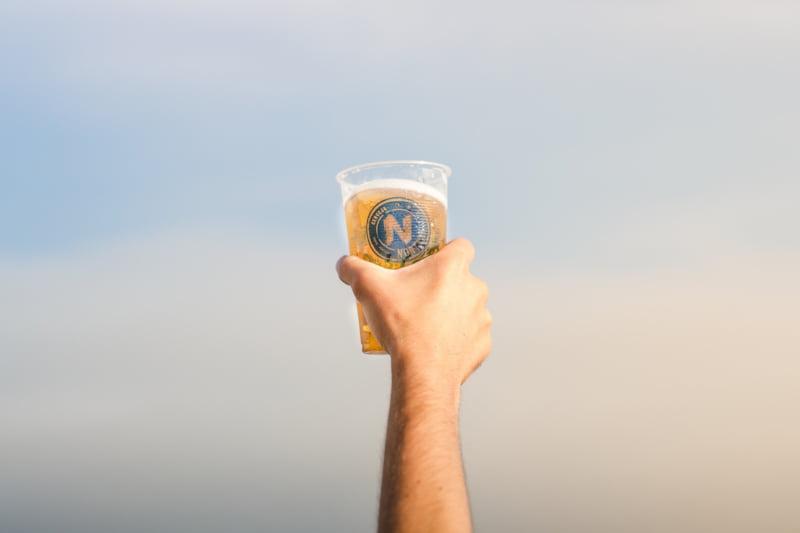 Nortada troca cervejas industriais por finos no Dia da Reciclagem