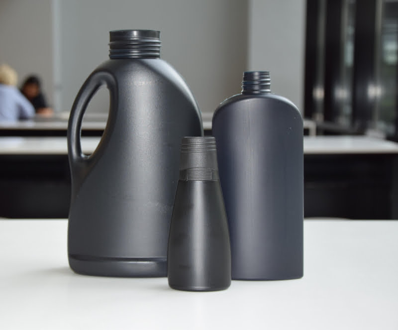 Henkel desenvolve embalagens de plástico preto reciclável