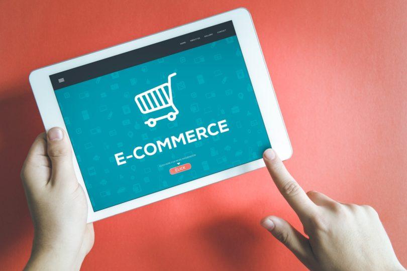 Portugueses gastam mais de 600 euros em compras online nos últimos 12 meses