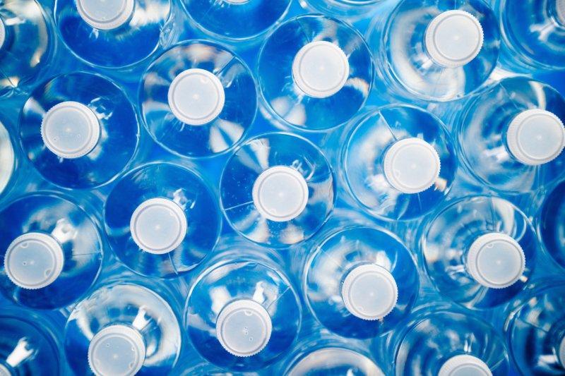 Governo avança com máquinas para recolha de garrafas descartáveis