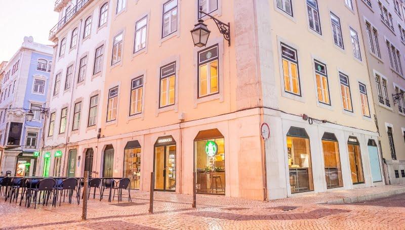 Starbucks abre nova loja na Rua de Santa Justa