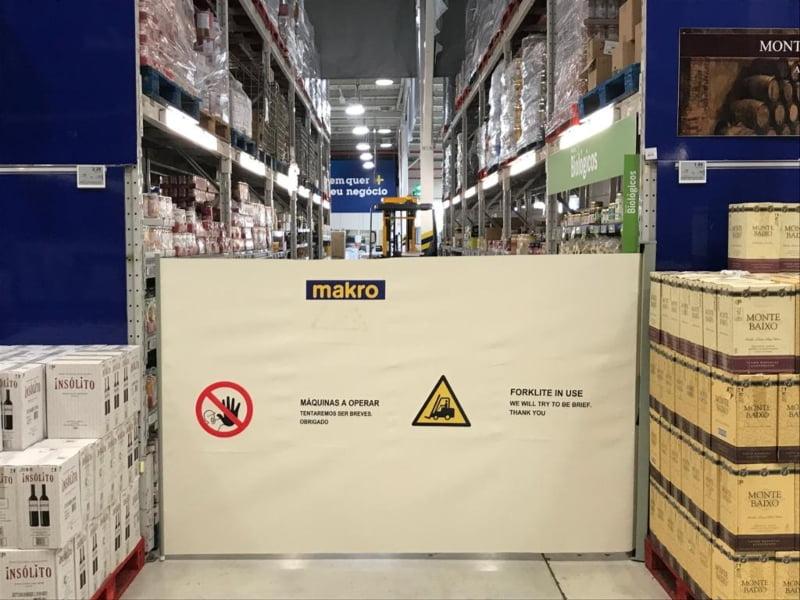 Makro Portugal coloca runner blockers nas lojas para reforçar segurança
