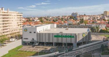 Mercado abre supermercado no Porto