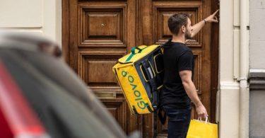 A Glovo, aplicação que permite comprar, recolher e entregar qualquer produto na mesma cidade, chegou a Vila Real, Trás-Os-Montes.