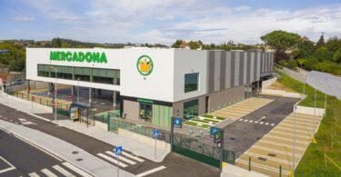 A Mercadona abriu hoje o novo supermercado da Trofa, distrito do Porto. Este é o 16.º supermercado Mercadona no país.