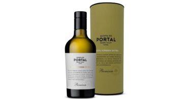 O Quinta do Portal Azeite Virgem Extra Premium foi premiado com uma medalha de ouro no EVO International Olive Oil Competition (IOOC).