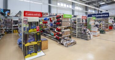 A Leroy Merlin já abriu quatro novas lojas este mês de junho, tendo a última sido inaugurada em Alverca, fruto da transformação do Aki.