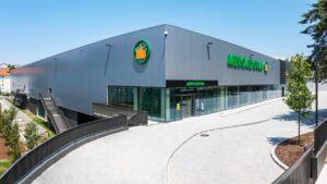 A Mercadona vai abrir a 13 de julho o terceiro supermercado na cidade do Porto, na freguesia de Lordelo do Ouro, uma das mais antigas.