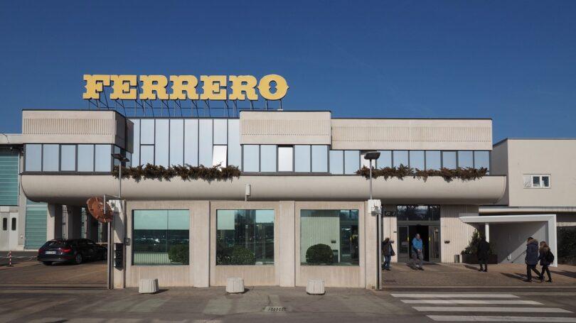 O Grupo Ferrero alcançou o seu objetivo de obter cacau de forma 100% sustentável, certificado por organizações como a Rainforest Alliance.