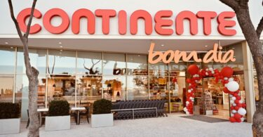 O Continente inaugurou uma loja Continente Bom Dia em Bom João, em Faro, criando 58 novos postos de trabalho na região.