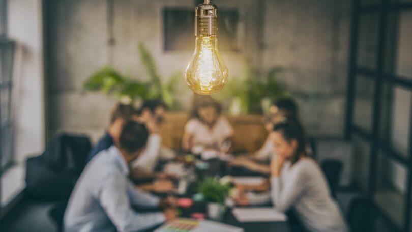 """Lantern e IRI divulgaram os resultados do estudo """"Pesquisa sobre Inovação no Setor do Grande Consumo"""", especificamente na indústria alimentar."""