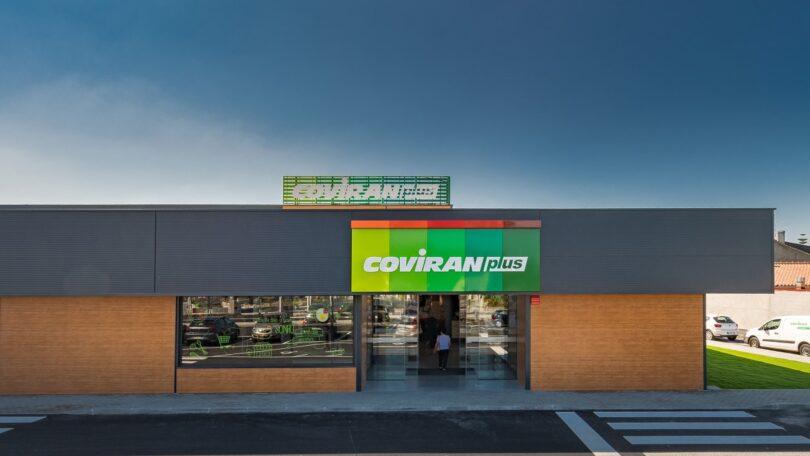 A insígnia Coviran inaugurou o segundo supermercado em Portugal com a denominação Coviran Plus, no Monte Redondo, em Leiria.
